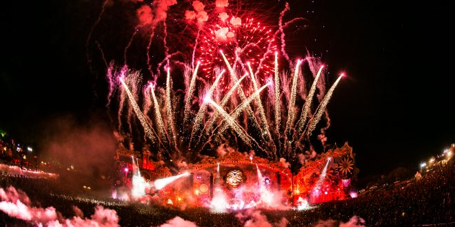 Primeiro dia de Tomorrowland Brasil tem homenagem a Prince