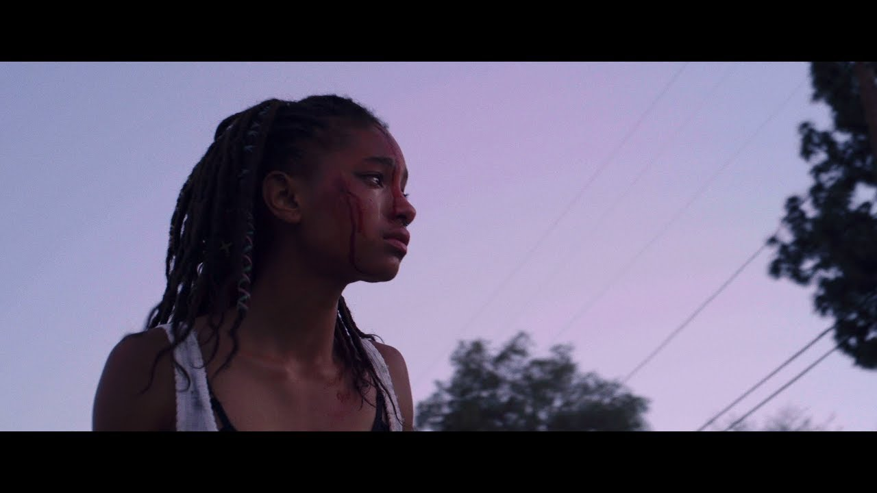Willow Smith estampa videoclipe de ZHU com Tame Impala